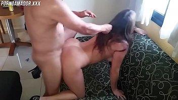 Dois homens fode a magrinha sexy