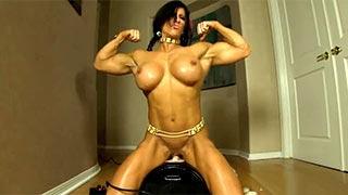 Angela Salvagno lésbica musculosa no vibrador