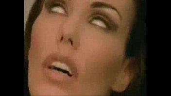 Sexo em um beco escuro com a prostituta Chantelle Fox