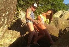 Sofia Gucci fazendo sexo no campo de gramado