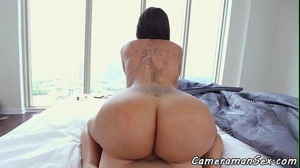 Porno xvideos mostrando a rabuda safadinha entrando em ação