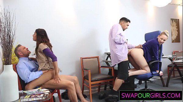 Xvideos com secretarias vadias fazendo orgia no trabalho