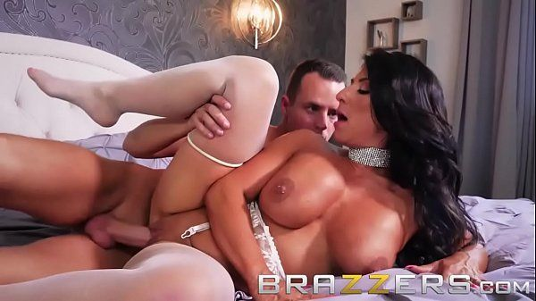 Porno xxx videos com coroa da cor do pecado levando pau na xoxota